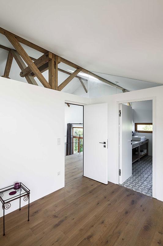 offener dachstuhl festscheune auf dem offener dachstuhl offener dachstuhl von in der apsis. Black Bedroom Furniture Sets. Home Design Ideas